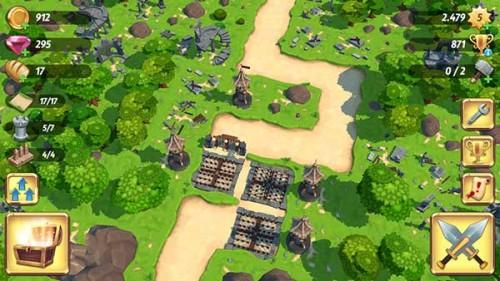 So kann eure Verteidigung in Royal Revolt 2 aufgebaut sein: Verwinkelte Straßen, Fallen und Türme nah beieinander