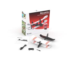 Inhalt der Verpackung. Neben dem Smartplane gibt es ein Mikro-USB Kabel, Ersatzpropelleer, Joystick und eine Kurzbeschreibung