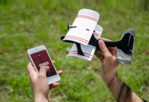 Die Drohne mit dem Smartphone via App steuern - Im Review ist das Smartplane Moskito